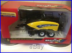 43007 Britains New Holland T8.435 Tractor 132 Scale Boxed with 1290 big baler
