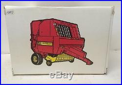 Ford New Holland 660 Round Baler Parts Mart Edition NIB Scale Models 1/16