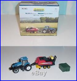 NEW 1/64 New Holland T8.275 Tractor WithBB 9060 Square Baler 2012 Farm Show NIB