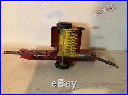 Rare Vintage New Holland Hay Baler For A Tractor 1/16 Nh Crank Hitch Head Wheel